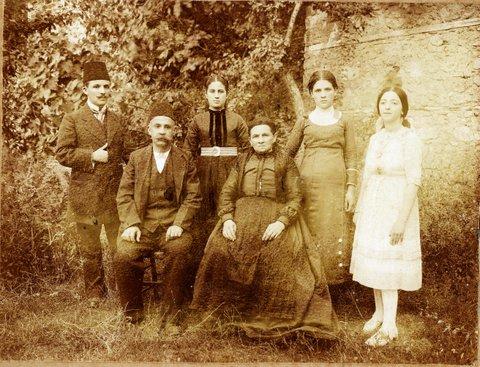Familia lui Atanasie Tanaşoca căs. Maria Badralexi